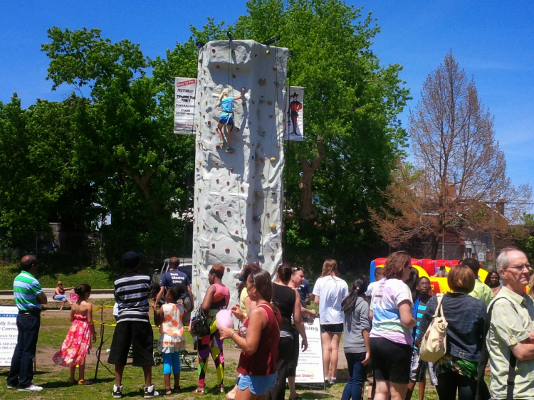 24 ft. mobile standard rock wall